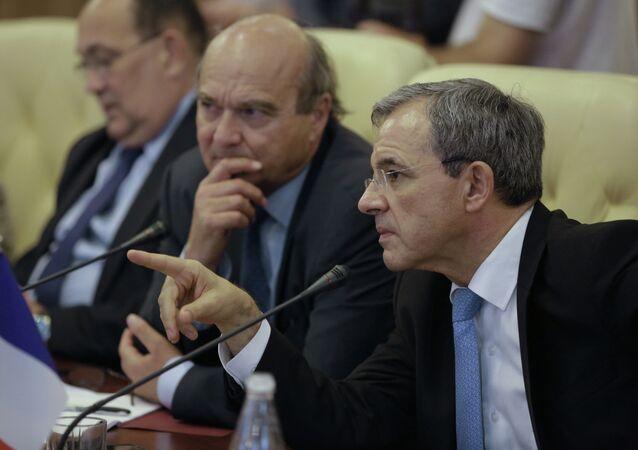 Diputados franceses durante su visita a Crimea