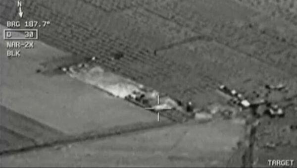 Imagen de vídeo de cabina de avión: aviones de combate turcos atacan Estado Islámico cerca de la frontera con Siria - Sputnik Mundo