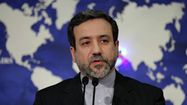 Newly appointed Iranian Foreign Ministry spokesman Abbas Araghchi addresses the room during a press conference in Tehran - Sputnik Mundo