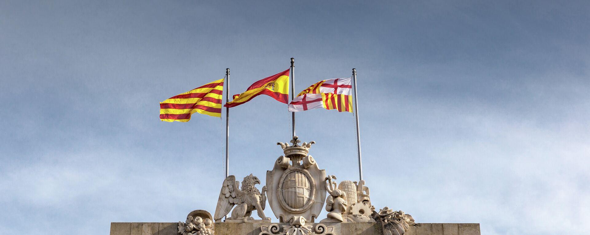 Banderas de España y Cataluña en Barcelona - Sputnik Mundo, 1920, 25.05.2021