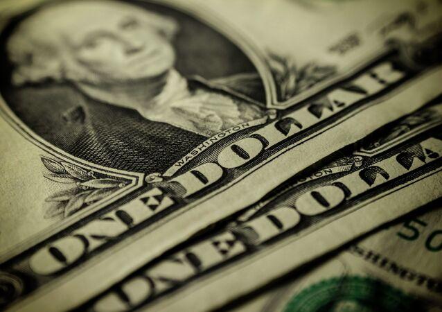 Bajos precios del crudo no lograron impulsar cotización del dólar en Colombia