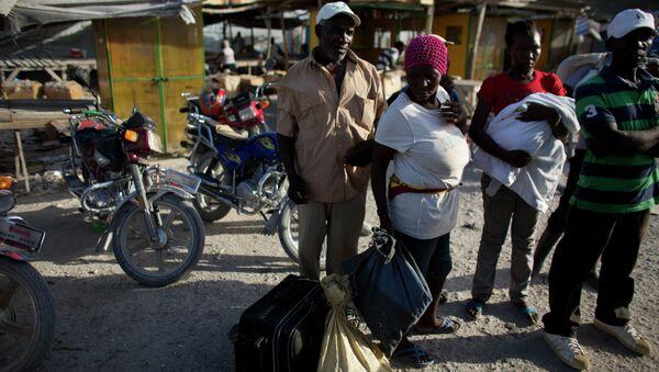 Migrantes haitianos deportados de la República Dominicana - Sputnik Mundo