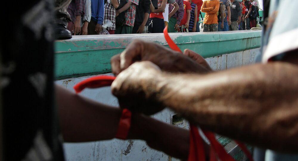 Pescadores birmanos recientemente rescatados en Indonesia