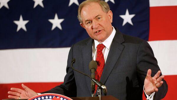 El exgobernador de Virginia y el precandidato para las elecciones presidenciales de 2016, Jim Gilmore - Sputnik Mundo
