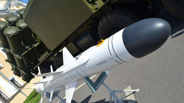 Misil antibuque X-35 usado en sistemas de misiles tierra-mar Bal - Sputnik Mundo