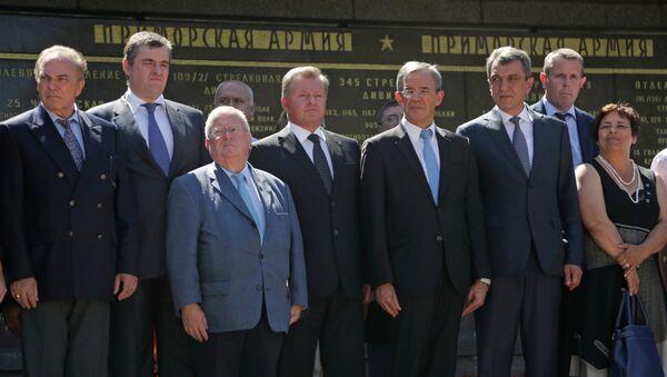 Parlamentarios franceses durante su visita a Crimea - Sputnik Mundo