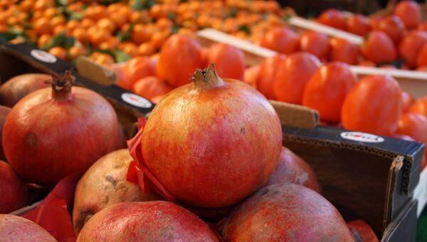 Frutas y verduras en un mercado - Sputnik Mundo