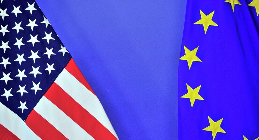 Banderas de EEUU y la UE