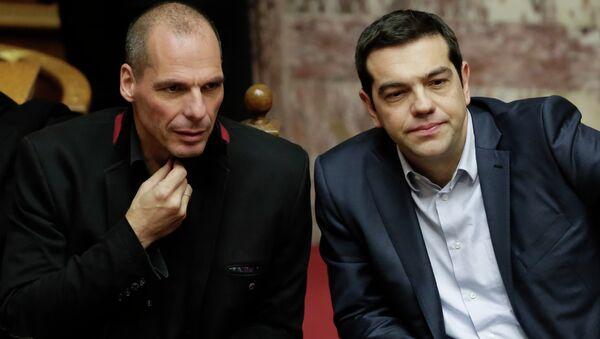 Primer ministro griego, Alexis Tsipras, y por entonces ministro de Finanzas de Grecia, Yanis Varufakis - Sputnik Mundo