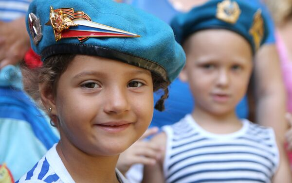 Celebración del día de las Fuerzas Aerotransportadoras de Rusia - Sputnik Mundo