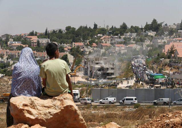 Lavrov aborda el problema palestino con el líder de Hamás