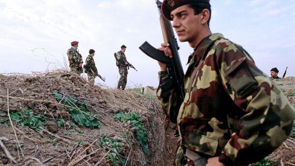Soldados serbios durante Operación Tormenta (Archivo) - Sputnik Mundo