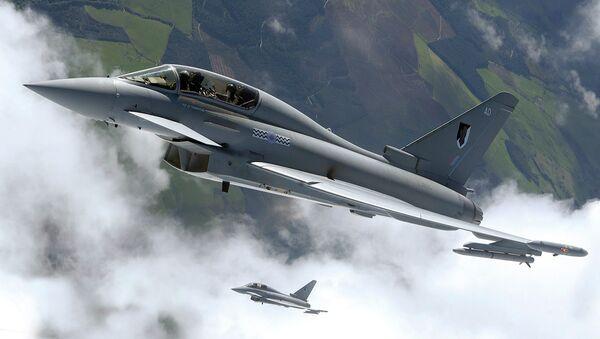 Cazas británicos Eurofighter Typhoon - Sputnik Mundo