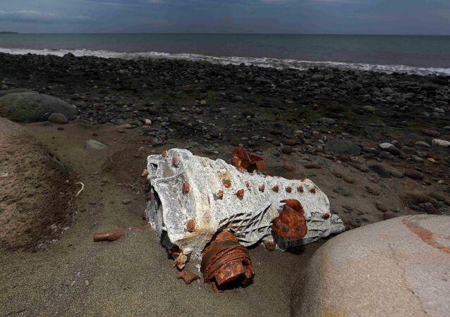 Escombros arrastrados hasta la playa de un isla en La Reunión (archivo)
