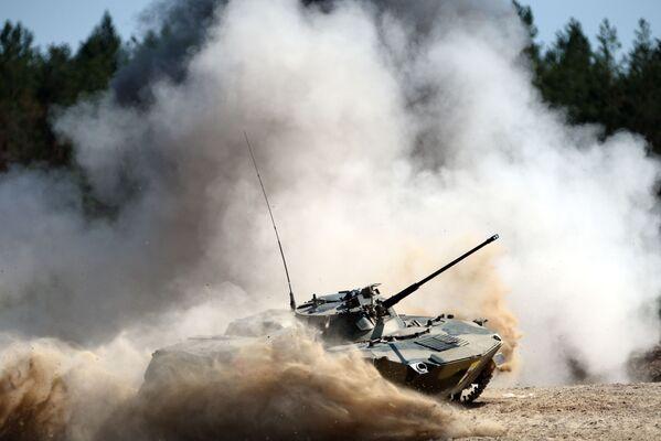 Torneo de tropas aerotransportadas de Rusia, Bielorrusia y China - Sputnik Mundo