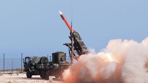 Lanzamiento de cohete de sistema antimisil Patriot  PAC - 2 - Sputnik Mundo
