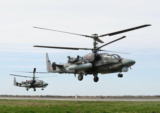 Helicópteros de combate polivalentes rusos Ka-52 'Alligator'