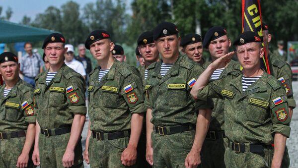 Militares del Ejército ruso antes de los Juegos Militares Internacionales, región de Novosibirsk - Sputnik Mundo