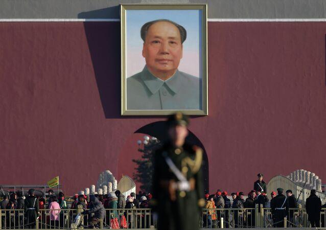"""Presentador de TV será """"duramente castigado"""" por su sátira de Mao Zedong"""