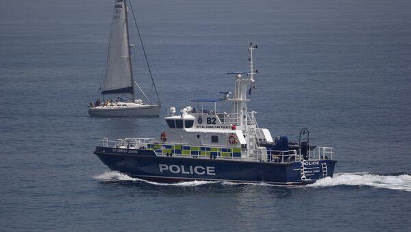 Policía de Gibraltar en las aguas del mar Mediterráneo - Sputnik Mundo