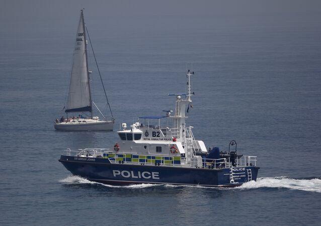 Policía de Gibraltar en las aguas del mar Mediterráneo