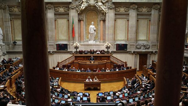 Portugal's Prime Minister Pedro Passos Coelho addresses lawmakers during the debate on the state of the nation at the Portuguese parliament, in Lisbon - Sputnik Mundo