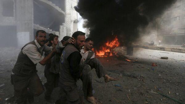 Ataques aéreos de las fuerzas gubernamentales de Siria en la ciudad de Duma - Sputnik Mundo