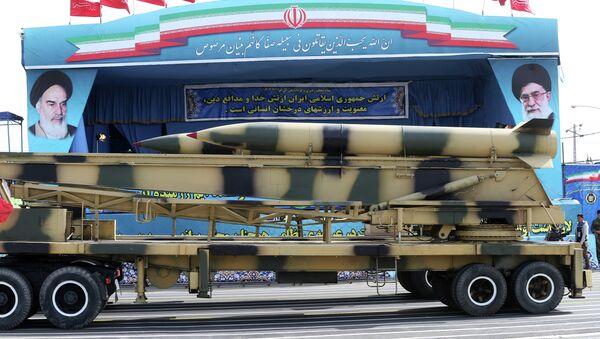 Desfile militar con motivo del Día de las Fuerzas Armadas de Irán - Sputnik Mundo