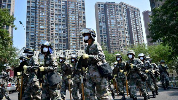 Soldados chinos en Tianjin, China - Sputnik Mundo