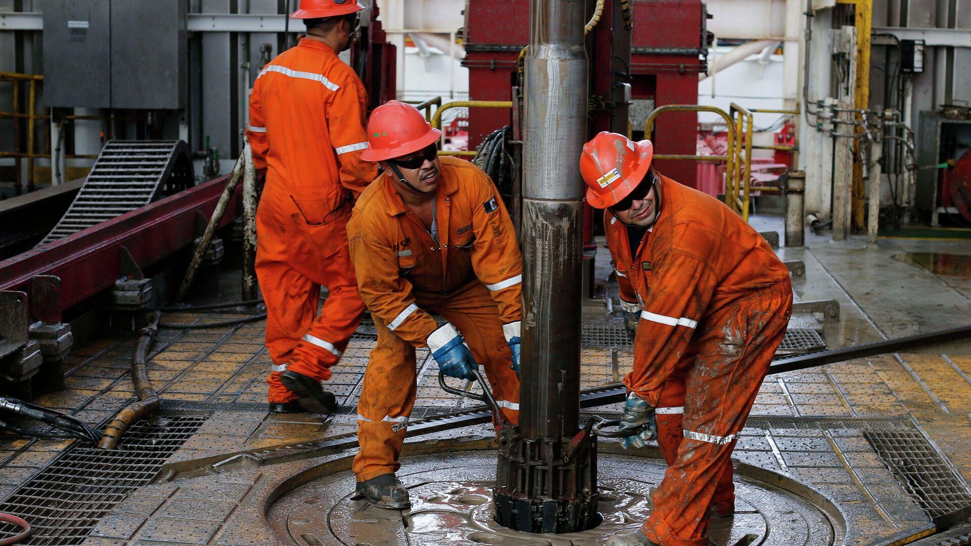 Extracción de petróleo en México - Sputnik Mundo, 1920, 02.08.2021