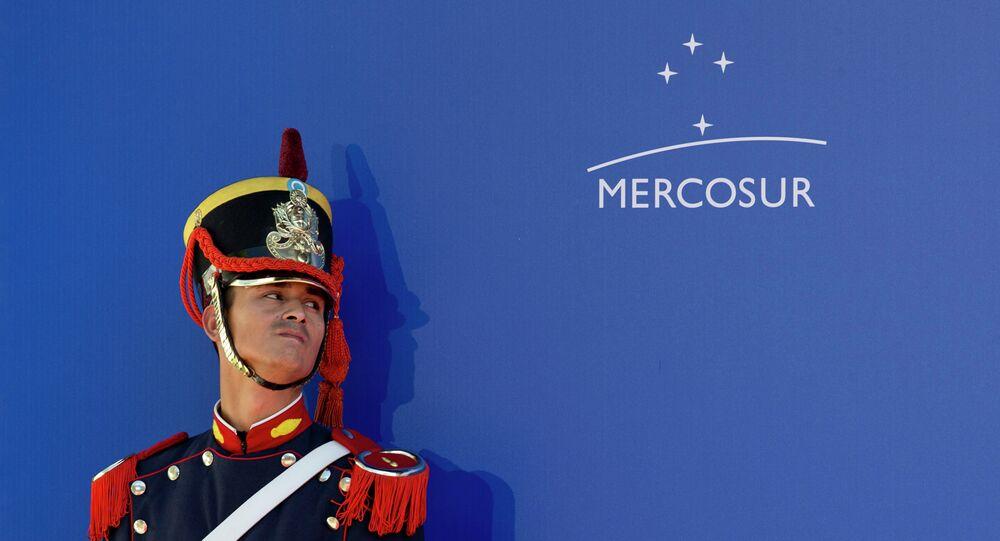 Un guardia de honor durante la Cumbre de Mercosur (archivo)