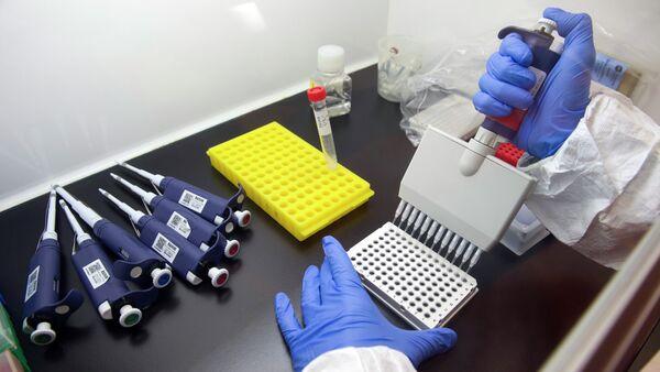 Vacuna contra el ébola (archivo) - Sputnik Mundo
