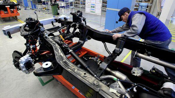 Fabricación de Toyota Land Cruiser Prado en Vladivostok (archivo) - Sputnik Mundo