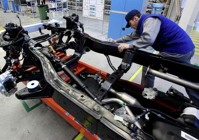 Fabricación de Toyota Land Cruiser Prado en Vladivostok (archivo)