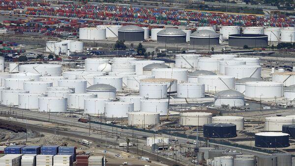 Almacenes de petróleo en EEUU - Sputnik Mundo