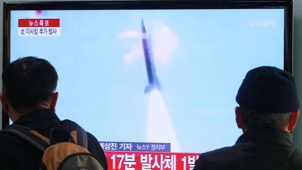 Lanzamientos de misiles norcoreanos (archivo) - Sputnik Mundo