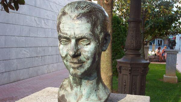 Busto de Federico García Lorca en Santoña, Cantabria - Sputnik Mundo
