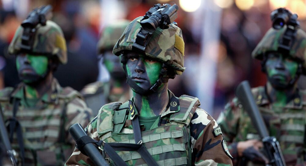 Soldados paraguayos en un desfile (archivo)