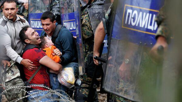Refugiados en la frontera greco-macedonia (Archivo) - Sputnik Mundo