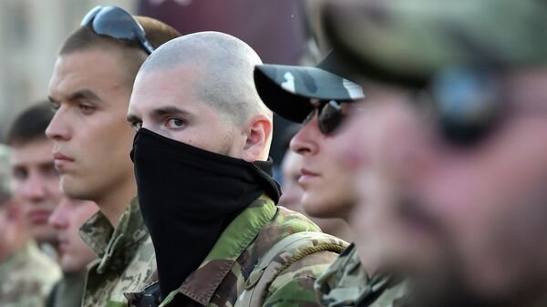 Combatientes del grupo radical Pravy Sektor - Sputnik Mundo