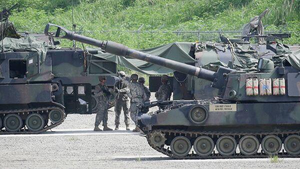 Militares estadounidenses durante los ejercicios conjuntos con Corea del Sur - Sputnik Mundo