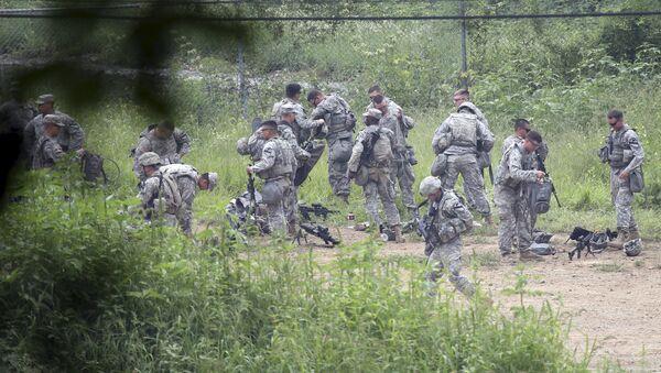 Soldados del ejército estadounidense durante los ejercicios Ulchi Freedom Guardian en Pocheon, Corea del Sur - Sputnik Mundo
