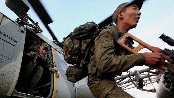 Marines rusos durante los ejercicios (Archivo) - Sputnik Mundo