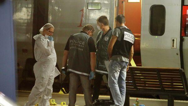 Policía francesa en el lugar del tiroteo - Sputnik Mundo