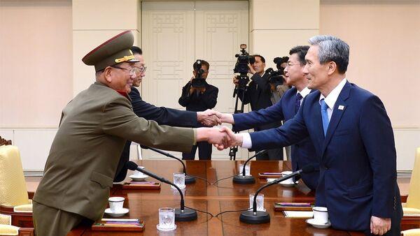 Las negociaciones intercoreanas se reanudarán el domingo - Sputnik Mundo