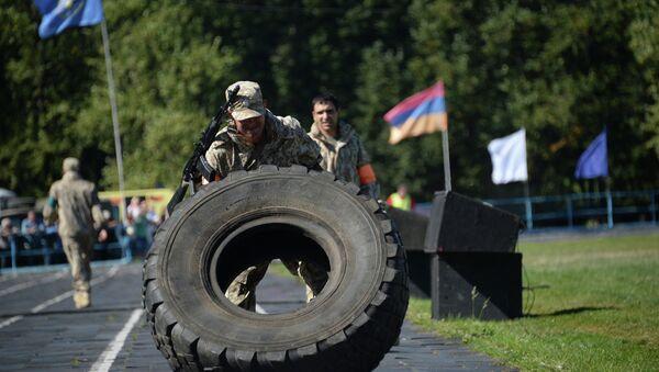 Militares durante los ejercicios Cooperación-2015 - Sputnik Mundo