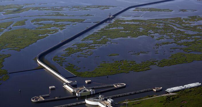 'La Gran Muralla' de Louisiana, la presa para contener el agua del lago Borgne