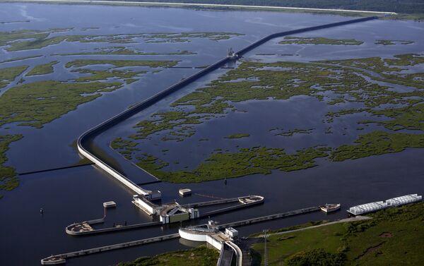 'La Gran Muralla' de Louisiana, la presa para contener el agua del lago Borgne - Sputnik Mundo