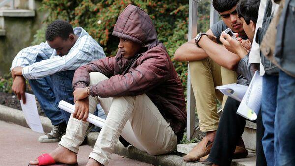 Migrantes en Calais - Sputnik Mundo