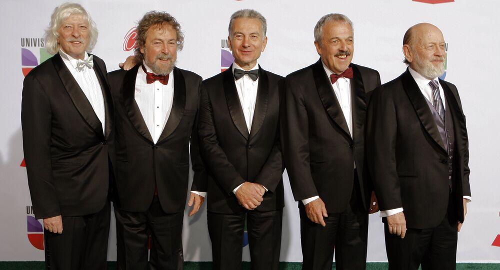 Les Luthiers antes de 12ª ceremonia anual Latin Grammy Awards  en Las Vegas, Nevada